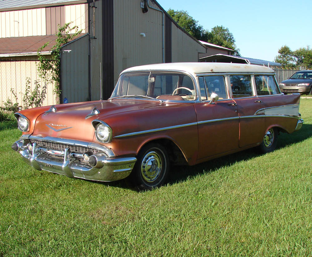 Jim s september 2007 barn find 1957 chevrolet two ten wagon is documented in photos with captions on this page
