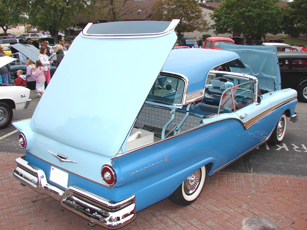 http://www.jims59.com/FordsChryslersForeign/images/Rochester%2007%20Ford%20retractable%201957.jpg